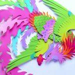 Яркая поделка из цветной бумаги