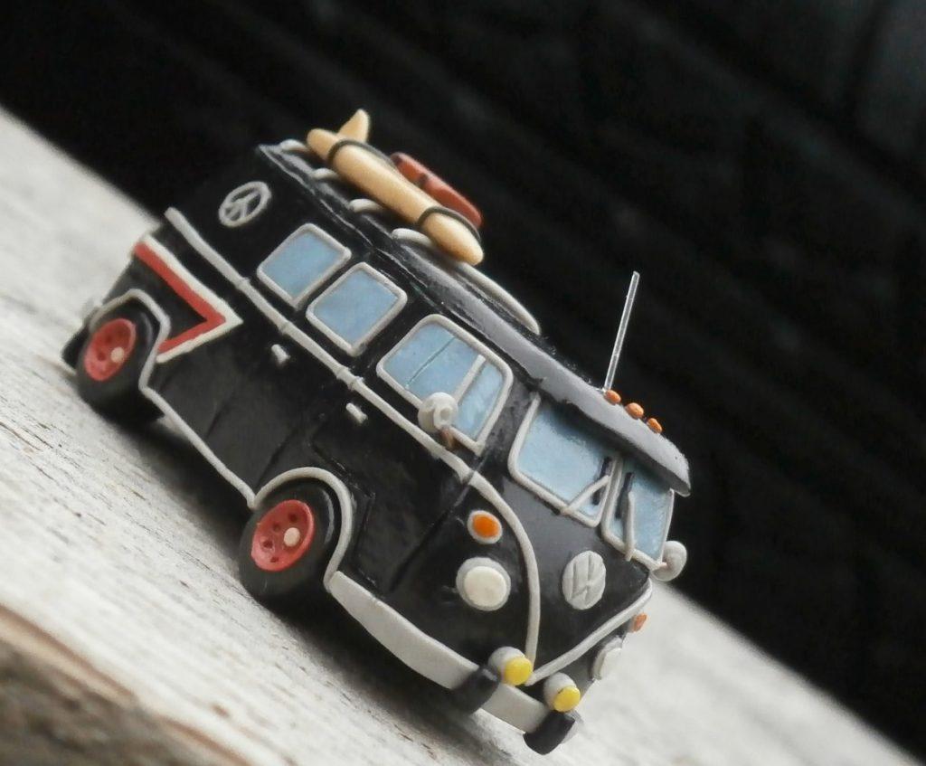 Машина из пластилина