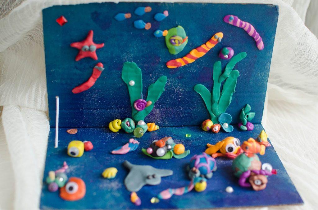 Подводный мир на картине из пластилина