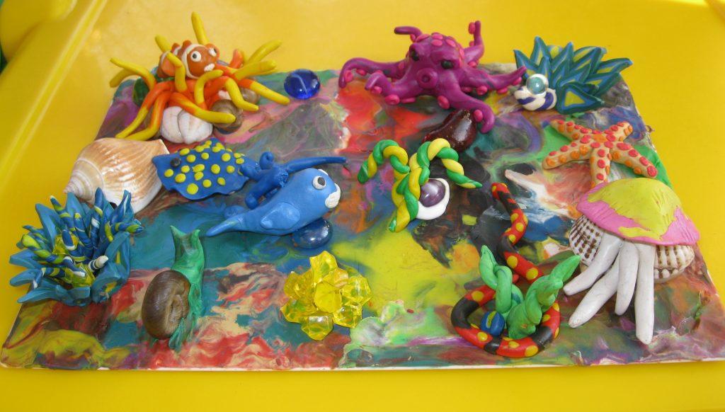 Картина рыбок из пластилина