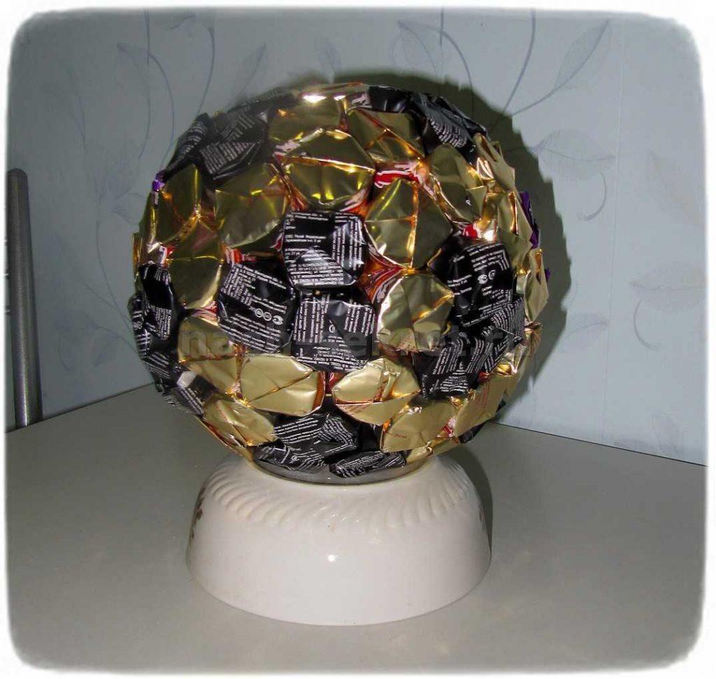 Конфеты в форме шара