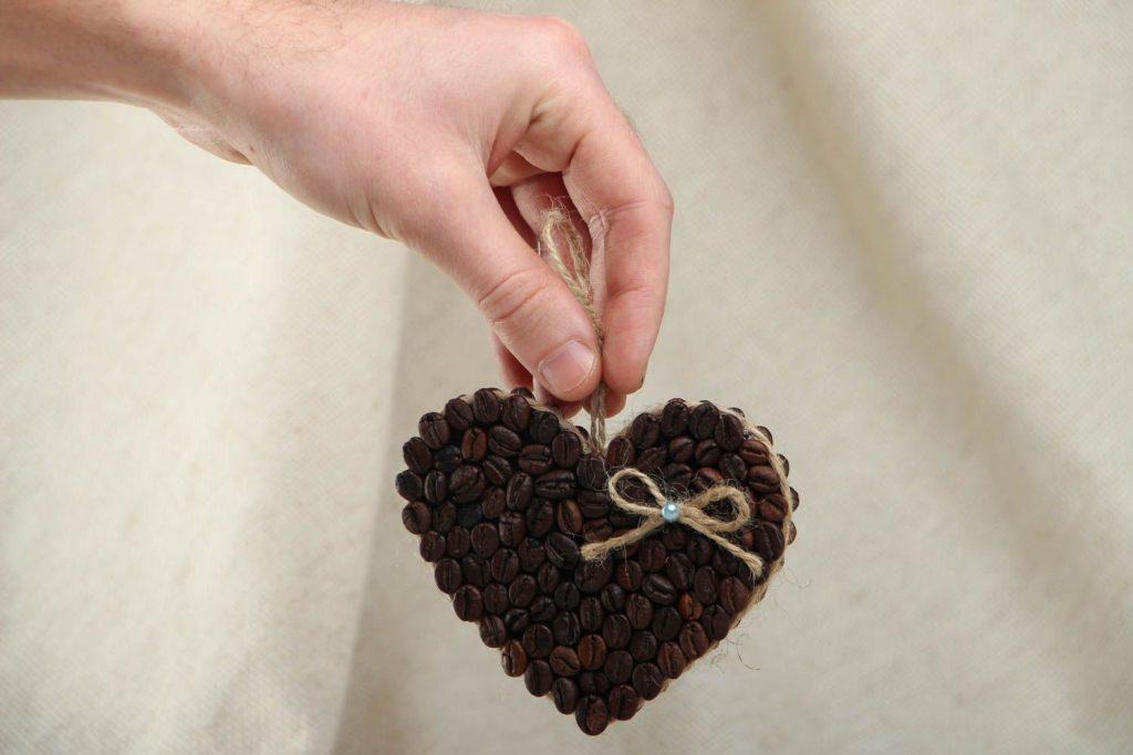 Сердце из кофе своими руками в подарок маме