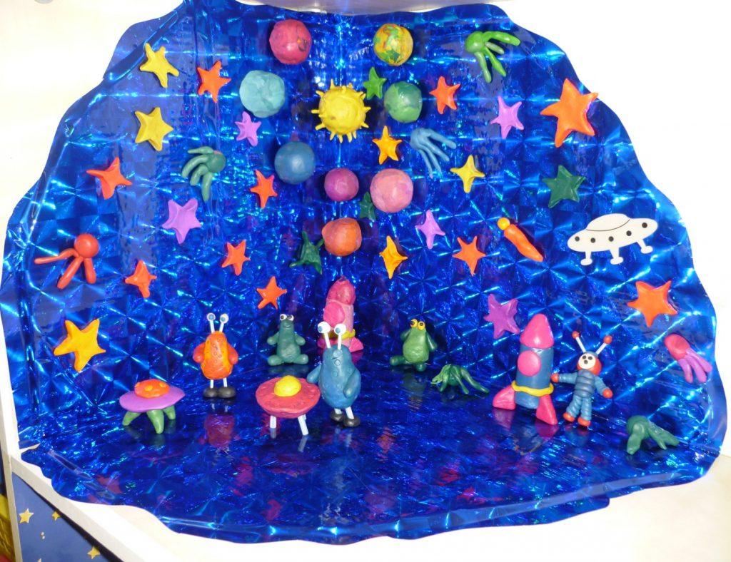 Космос из пластилина на примере