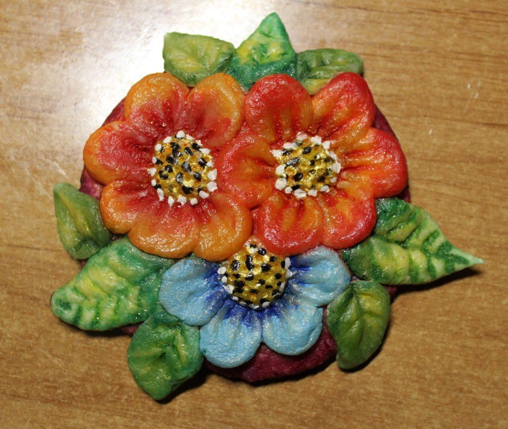 Лепка цветов из теста