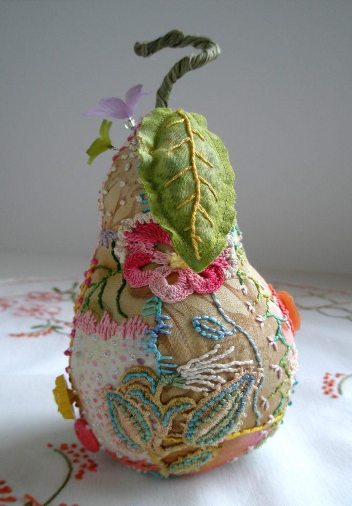 Игольница в форме груши