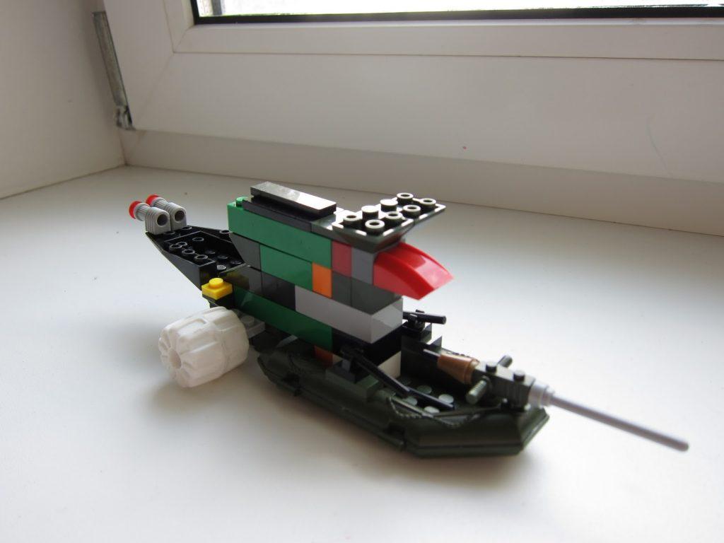 Корабль из лего