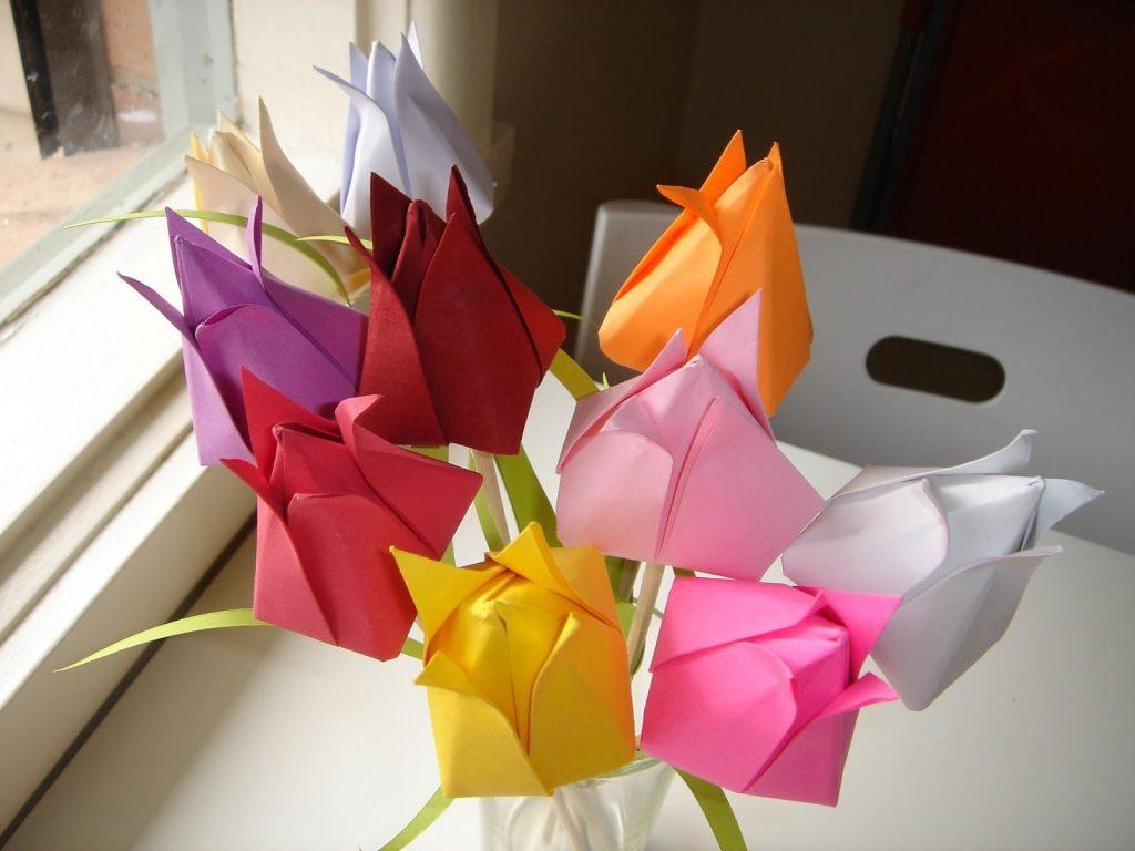 Тюльпаны из бумаги в стиле оригами