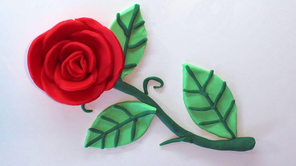 Красивая роза пластилина