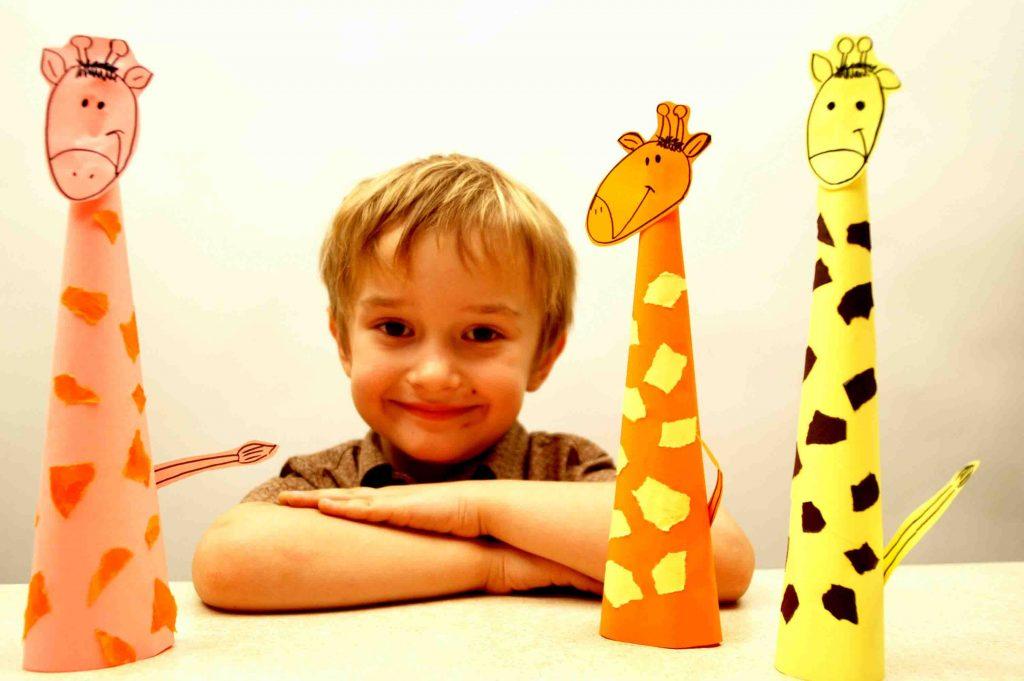 Жираф поделка мальчика