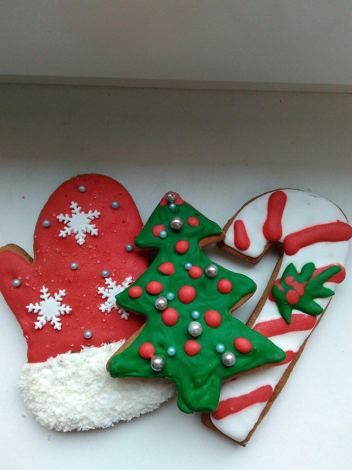 Новогодние печенье из теста