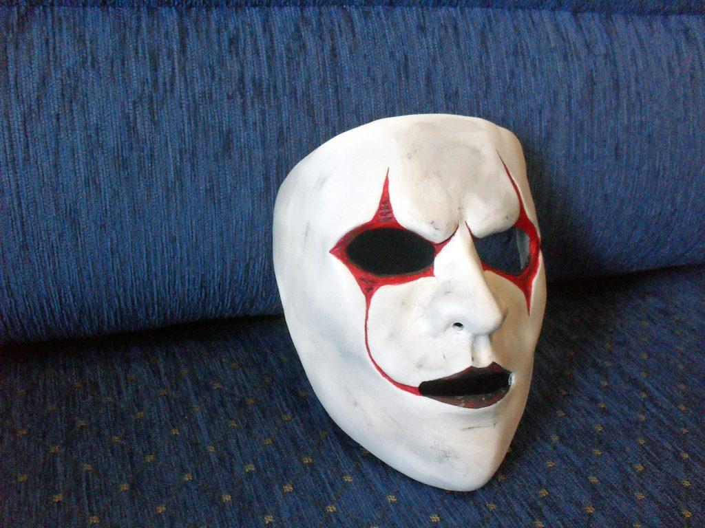 Мужская маска папье маше