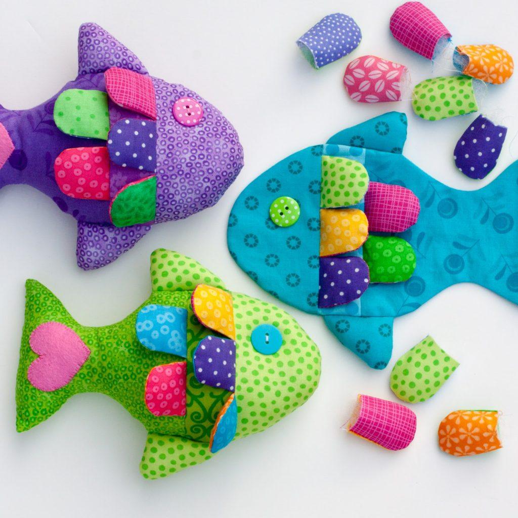 Яркие рыбы из ткани