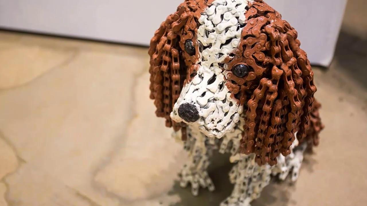 Собака из шишек