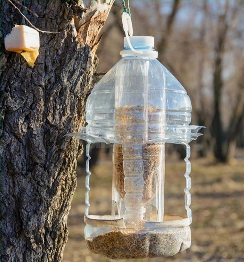 Кормушка-бункер для птиц