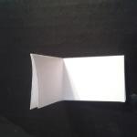 Затем сложите как на рисунке, чтобы определить середину. | Оригинал: http://svoimi-rukami-club.ru/модульное-оригами-лебедь-из-модулей/