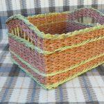 Короб плетенный из газет