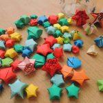 Много оригами звездочек