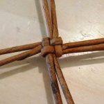 Шаг 2 Плетение круга из 8 лучиков