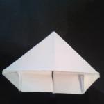 Переверните и загните маленькие уголки. | Оригинал: http://svoimi-rukami-club.ru/модульное-оригами-лебедь-из-модулей/