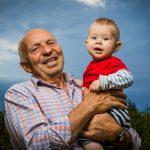 Фото деда с внуком на память