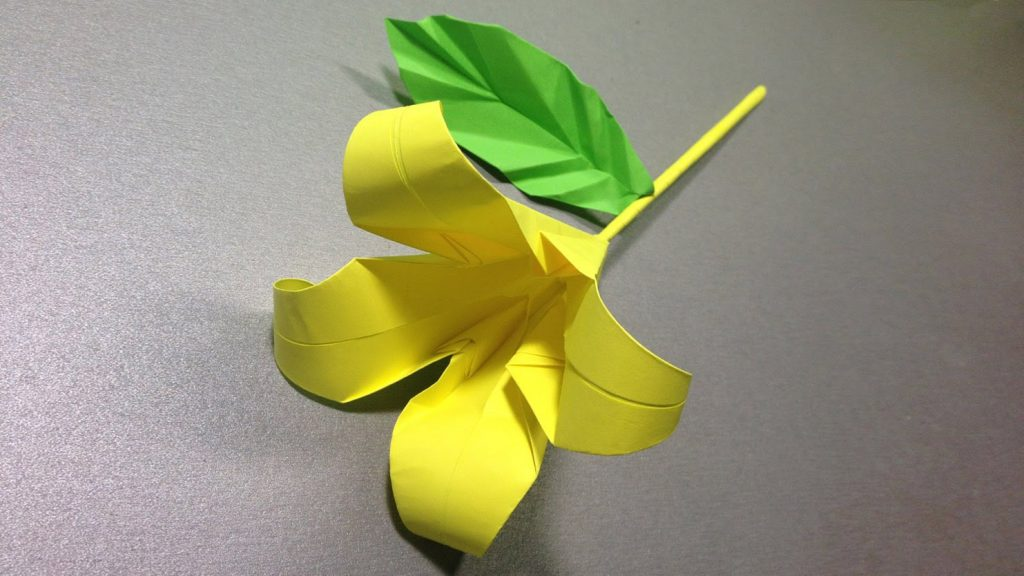 Цветок на ножке оригами