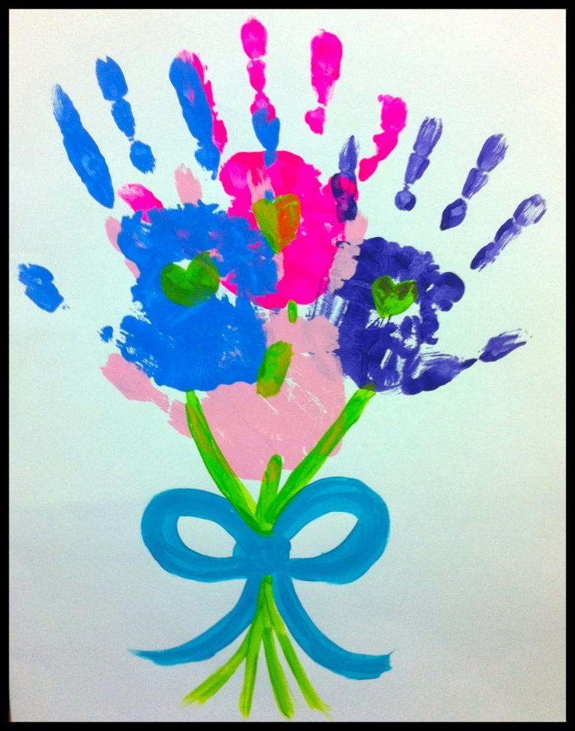 Рисунок с опечатками рук