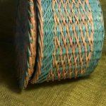 Готовое изделие плетения сбоку с другой стороны