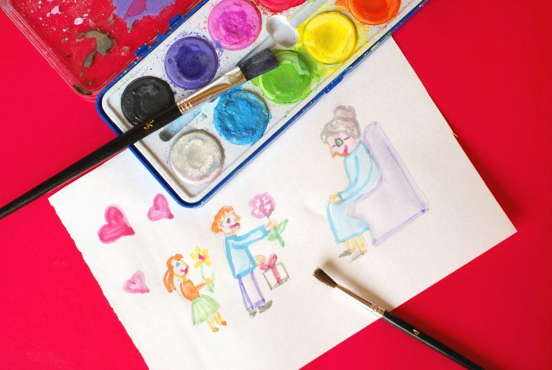 Подарок бабушке в качестве рисунка