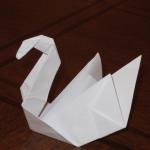 Лебедь из бумаги прделка