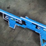 Пистолет из синих трубок