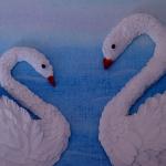 лебеди из мелких салфеток