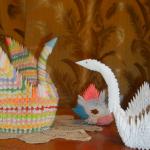 Лебеди в стиле оригами