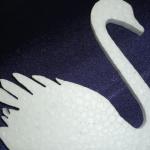 Лебедь из пенопласта