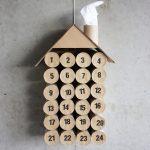 Календарь-домик из втулок