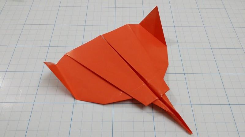 бумажный самолетик своими руками