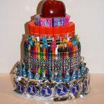 Торт из конфет и канцелярки