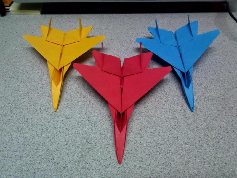 разноцветные самолетики оригами