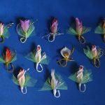 Бутоньерки из гофроцветов и конфет