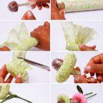 Необычный цветок из гофоробумаги с конфеткой