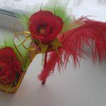 Туфелька с цветами из гофробумаги