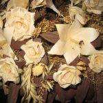 Различные цветы из листьев