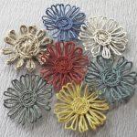 Цветочки из ниточек