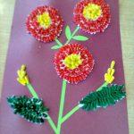 Открытка с цветами из ватных палочек