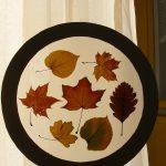 Украшение листьями окна
