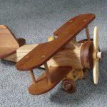 Деревянный самолётик