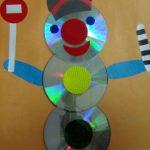 Поделка в детский садик - светофор из дисков