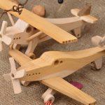 Самолётик деревянный