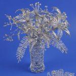 Букет цветочков в вазе из фольги