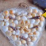 Сердце из ракушек и клея