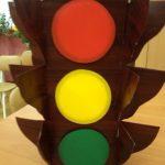 Светофор из картона